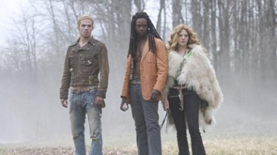 """Вампирите номади в кадър от от """"Здрач"""": Виктория (вдясно) с Джеймс и Лоран (в средата), който се появява във филм 2"""