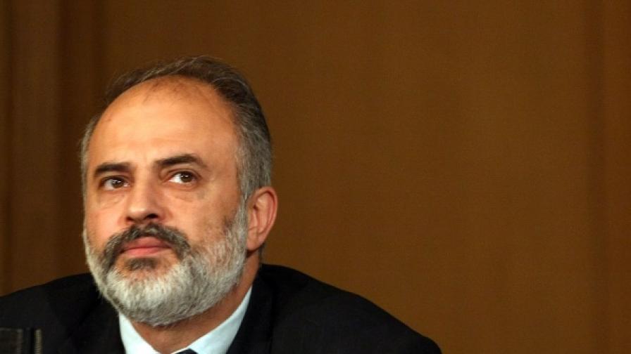 Тотю Младенов - министър на труда и социалната политика