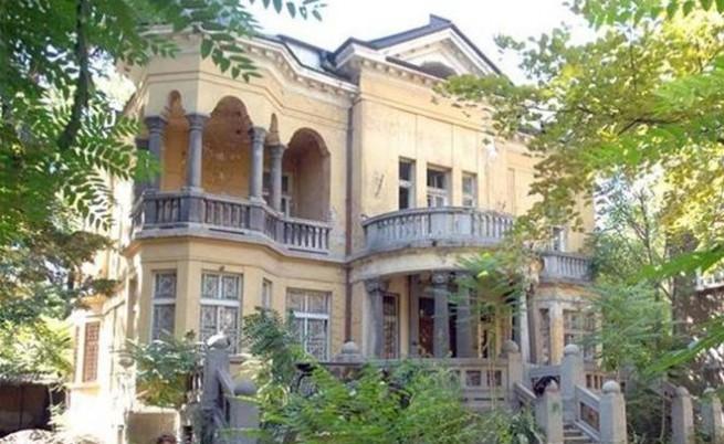 Златев бил собственик на разкошен имот в центъра на София