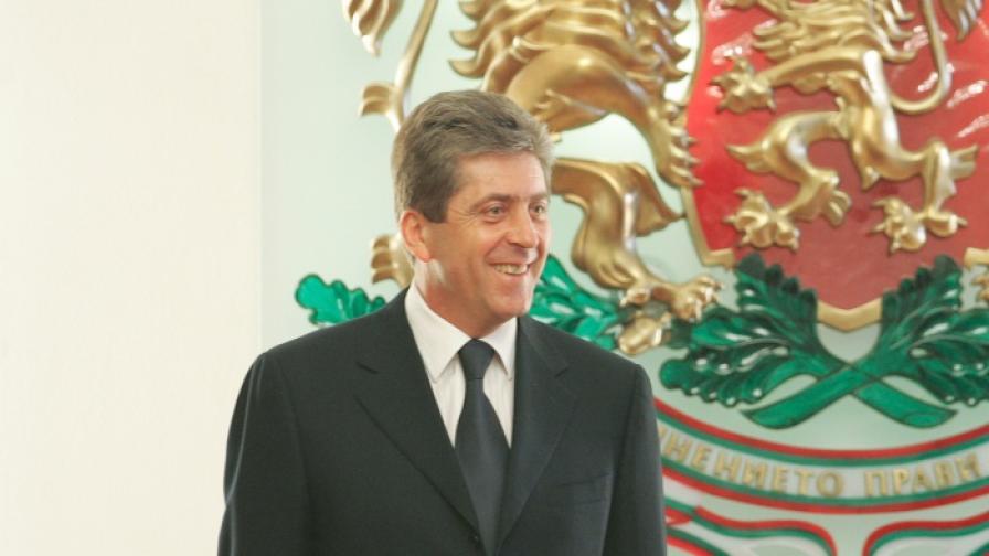 Първанов спешно ще изслушва правителството