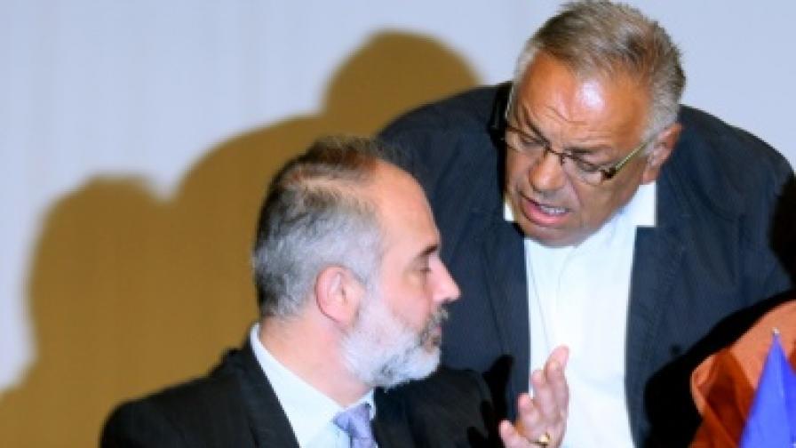 Социалният министър Тотю Младенов и президентът на КНСБ Желязко Христов