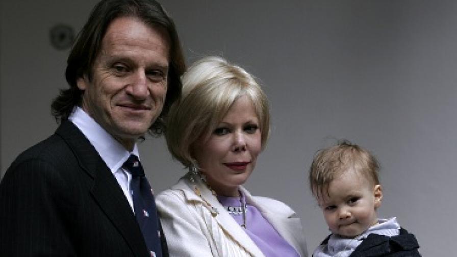 Китин, Калина и малкият им син Симеон Хасан на кръщенето му на 23 април 2008 г.