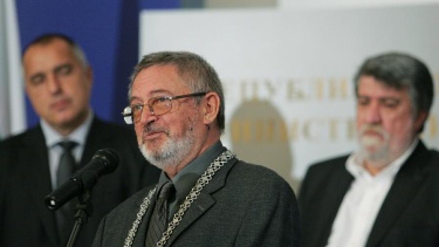 """Проф. Крум Дамянов е автор и на паметника """"Създателите на Българската държава"""" в Шумен"""