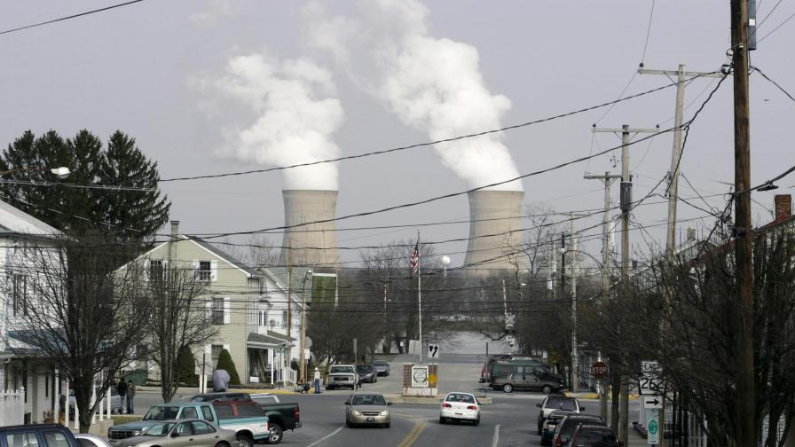 "Атомната електроцентрала ""Три майл айлънд""."