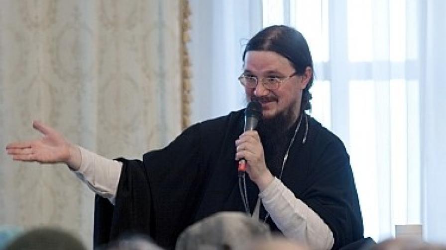 Отец Даниил Сисоев - архивна снимка от юли 2008 г.