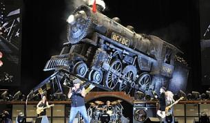 """През май групата свири пред 50 хил. души на стадион """"Партизан"""" в Белград"""