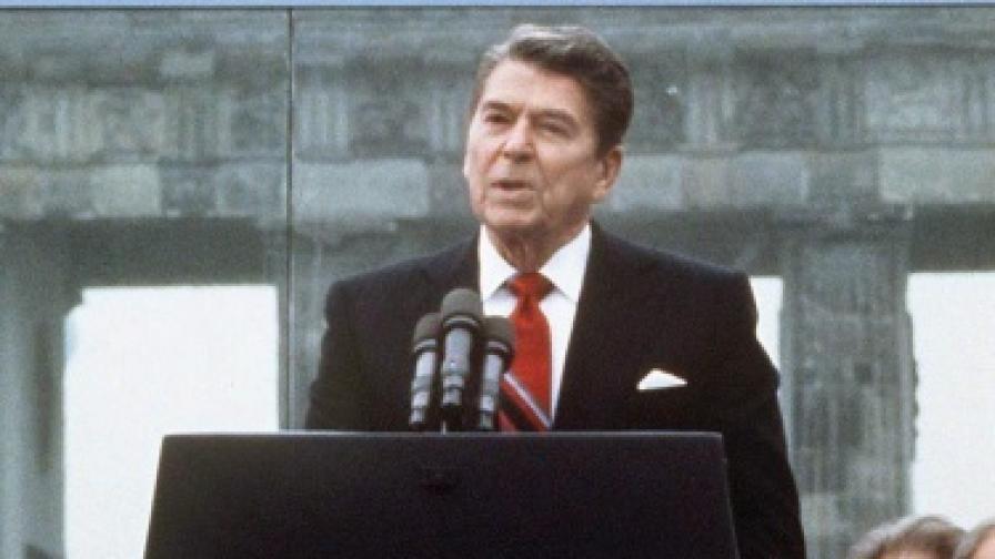 Роналд Рейгън през 1989 г.