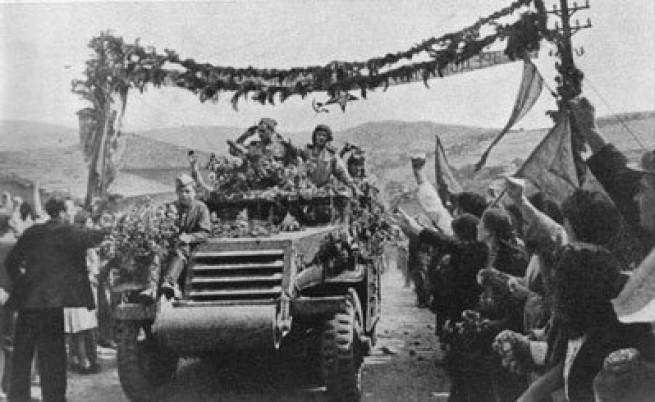 Зрители обявиха 09.09.1944 г. за политическото събитие на ХХ век