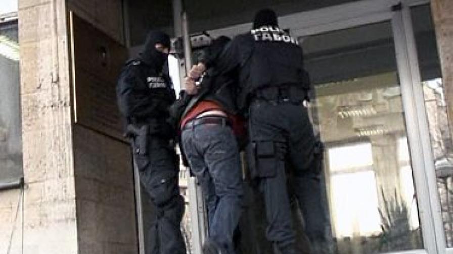"""При мащабна операция """"Наглите"""" в средата на декември 2009 г, бяха арестувани знакови фигури от престъпния контингент"""