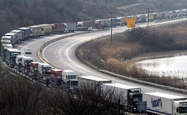 Гръцки фермери ще блокират общата ни граница