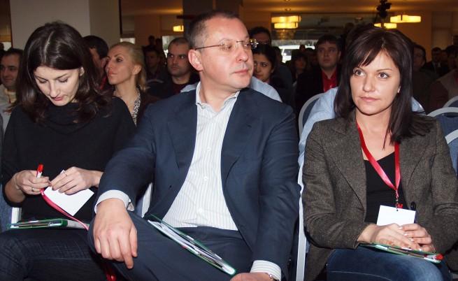 БСП: Желева да подаде оставка като външен министър