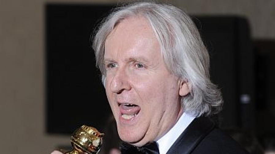 """Лидерът на """"Златния глобус"""" Джеймс Камерън, който получи приз за най-добър режисьор за """"Аватар"""", който пък бе определен за най-добра драма"""