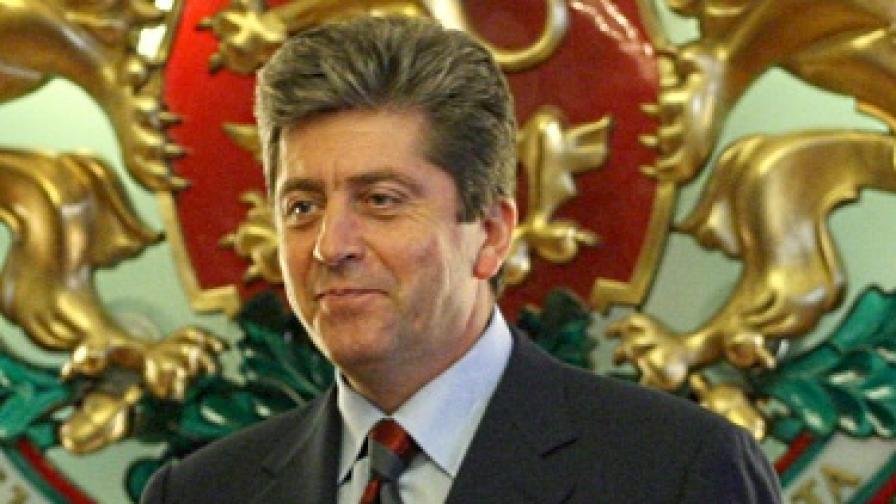 Първанов похвали кабинета