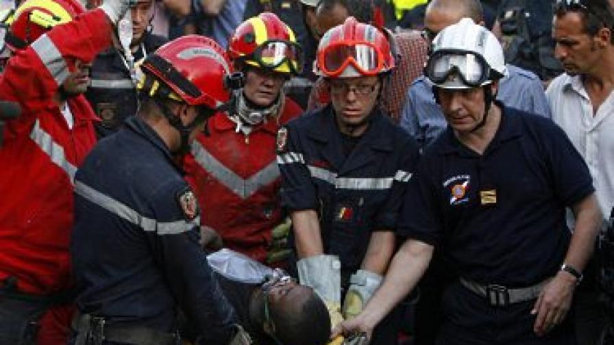 На 23 януари беше спасен 24-годишен мъж, който прекарал 11 дни под развалините. Гръцко-френски екип от спасители работи седем часа, за да го извади, след като бил открит от мародери