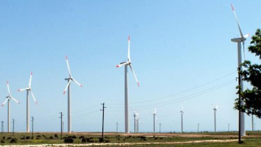"""Бумът в """"зелената"""" енергетика може да навреди на България"""