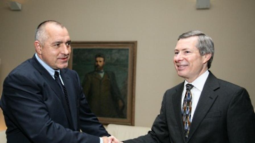 Българите ще получават вече десетгодишна виза за САЩ