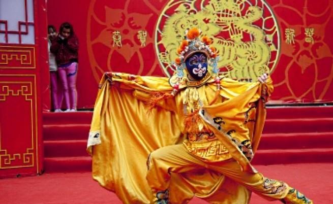 Китай посрещна годината на Тигъра