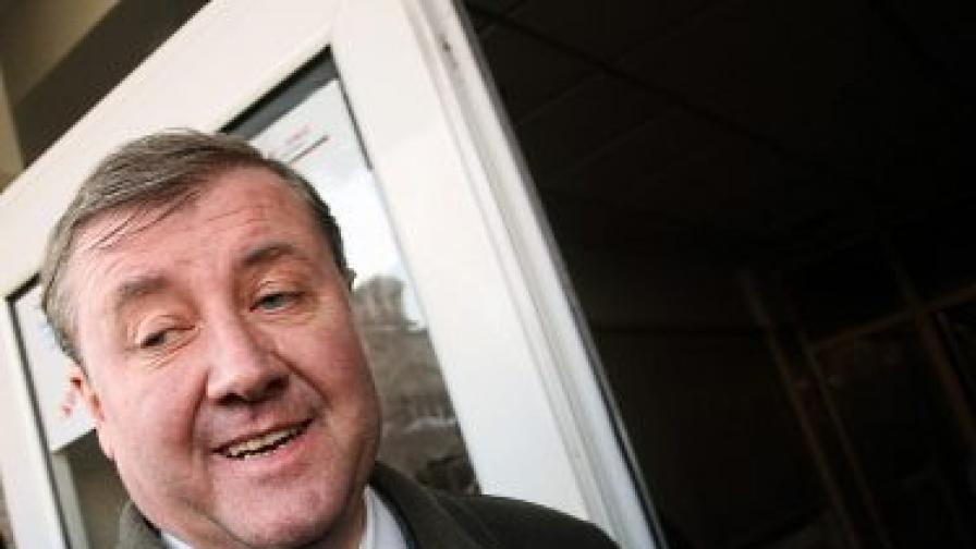 Повдигнаха обвинение срещу шефа на агенцията за бежанците