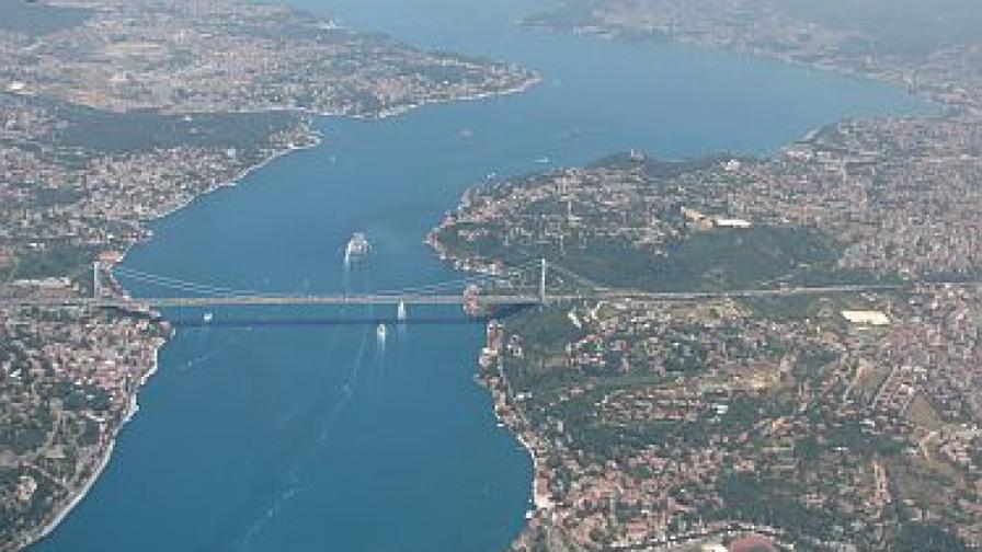 Турчин убит от охраната на украинското консулство в Истанбул