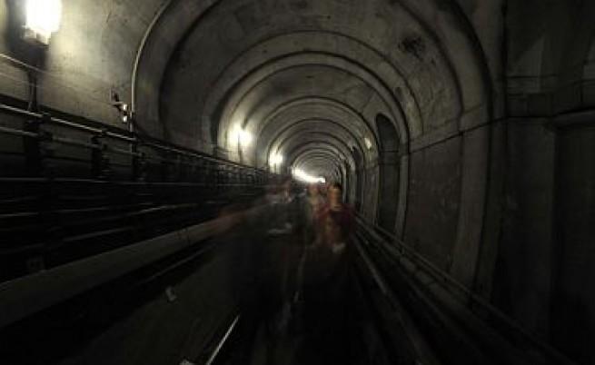 Исторически тунел под Темза отворен за кратко