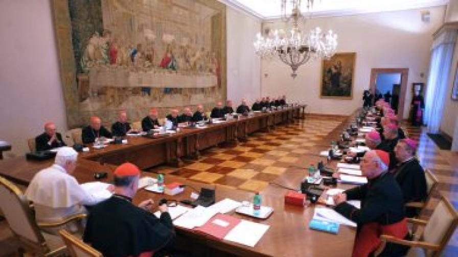 Ватиканът: Педофилските скандали са опит да се опетни Църквата