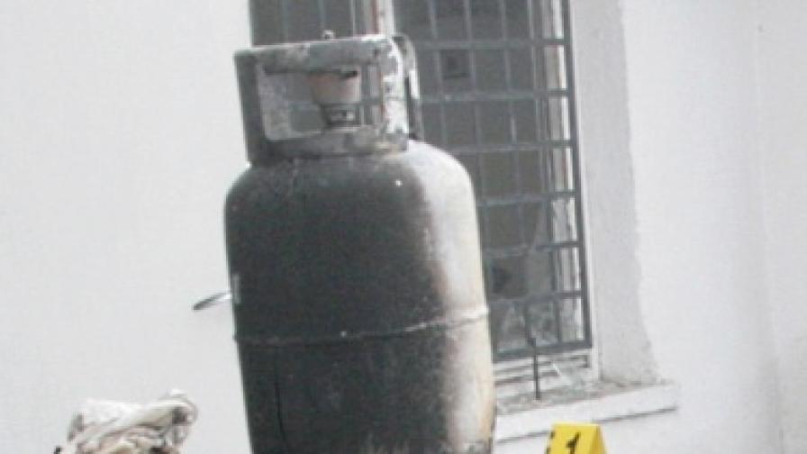 След взрива в Търново: Разследват умисъл