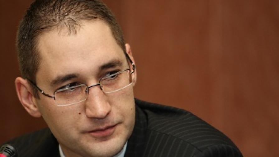 Георги Ангелов: Който няма лоби в тристранката, понася удар