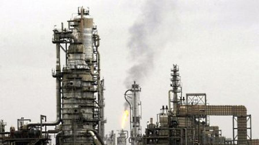 """Френски петролен гигант обвинен в корупция по """"Петрол срещу храни"""""""