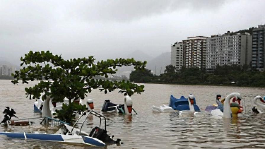 Над 100 са вече жертвите на наводненията в Бразилия