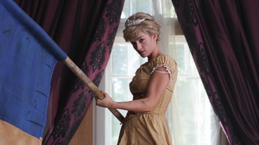 """Ана Пападопулу като принцеса Дайана, дегизирана в стил """"Свободата води народа"""""""