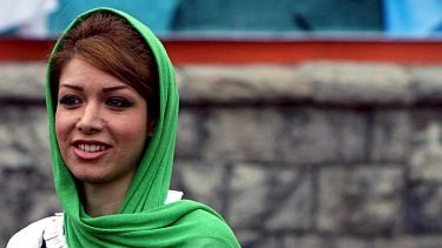 Арестуват жени с апетитен загар в Иран