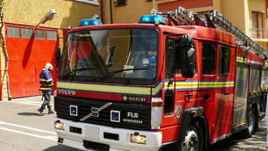 Автобус с пътници се запали до В.Търново
