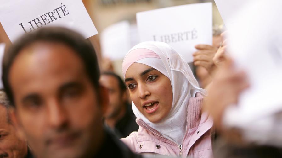 АП: Как многоженците муфтят френската държава