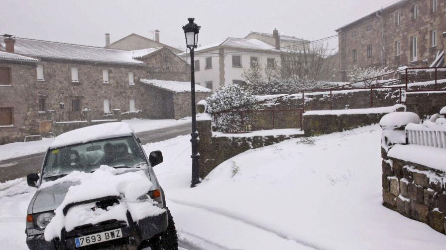 Сняг покри и няколко провинции в Испания