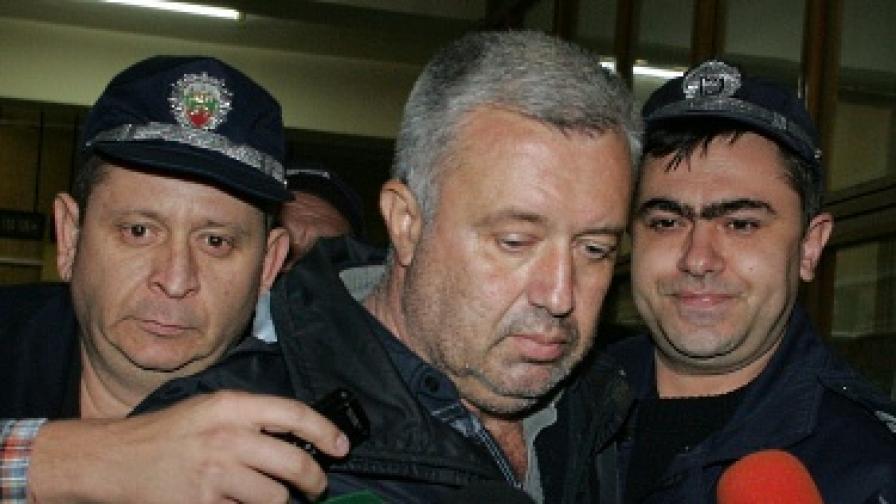 Убождачът ще лежи в затвора близо шест години