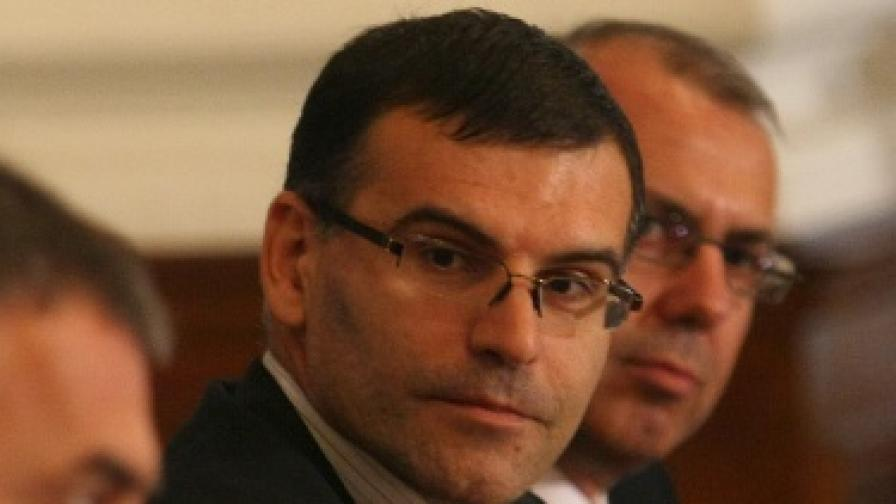 Единни правила за държавните пари в търговски банки обеща Дянков