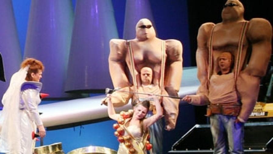 """""""Рейнско злато"""" - първа постановка от тетралогията """"Пръстенът на нибелунга"""" от Рихард Вагнер"""