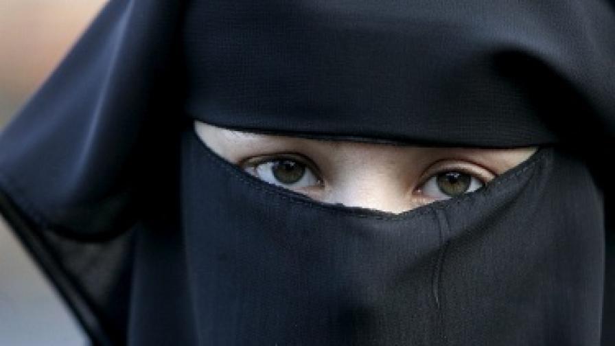 Забулена държи първия сексшоп в Бахрейн