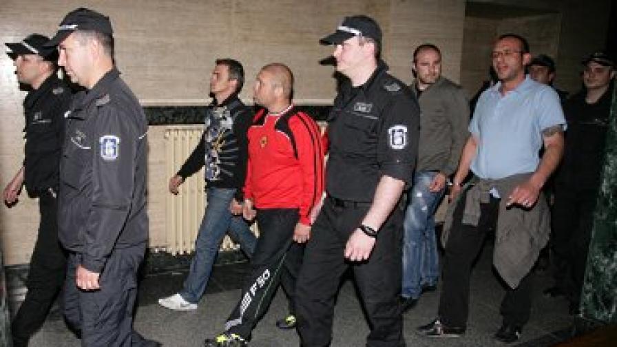 Арестуваха двама катаджии от Бургас