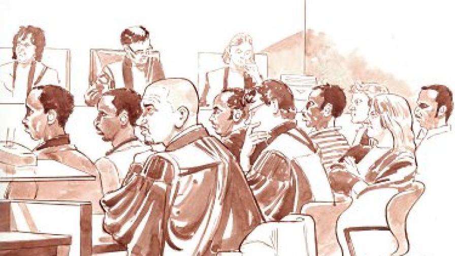Скица на съдебната зала по време на заседанието