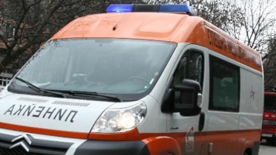Трима ранени при експлозия в Пловдив