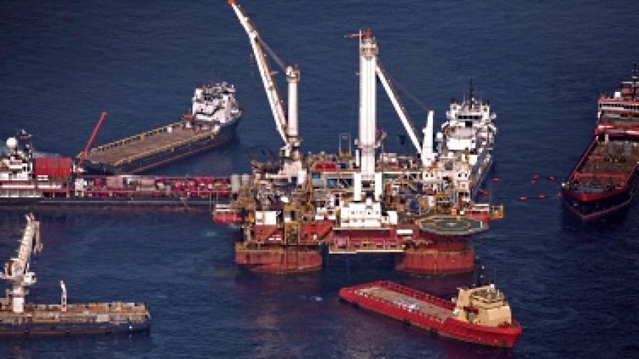 """""""Бритиш Петролиъм"""" не успя да запуши петролния теч"""