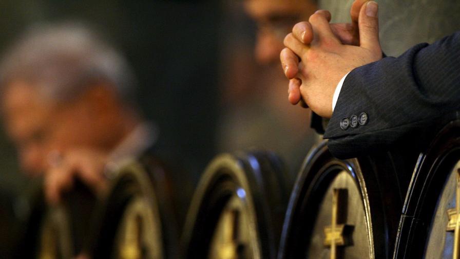 Свещеник бе открит заклан в Турция