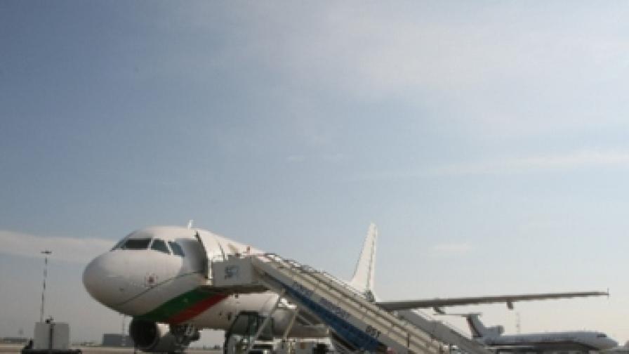 Блокирани полети заради конфликт с България ер
