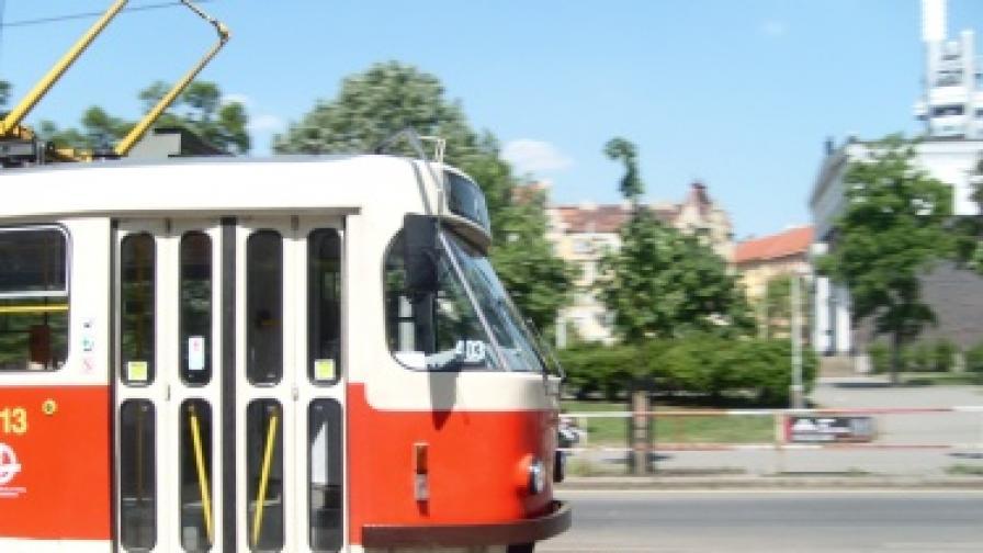 Ватман гони трамвая си на колело