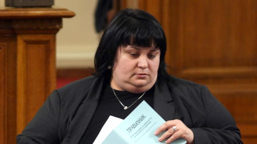Депутати: Не гледаме на блоговете като на медии