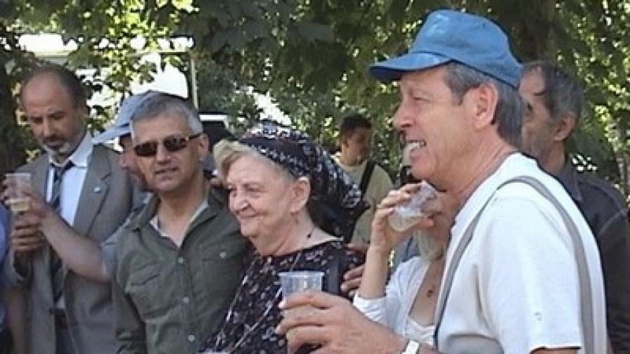 Първи снимачен ден, авуст 2010 г -отдясно: Лесли Грантам, Татяна Лолова, Дочо Боджаков, Николай Урумов