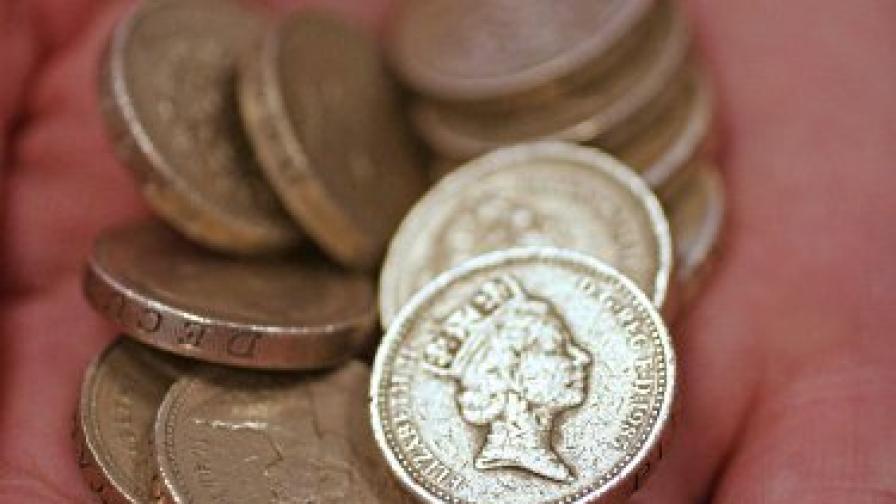 Кралството залято от фалшиви монети