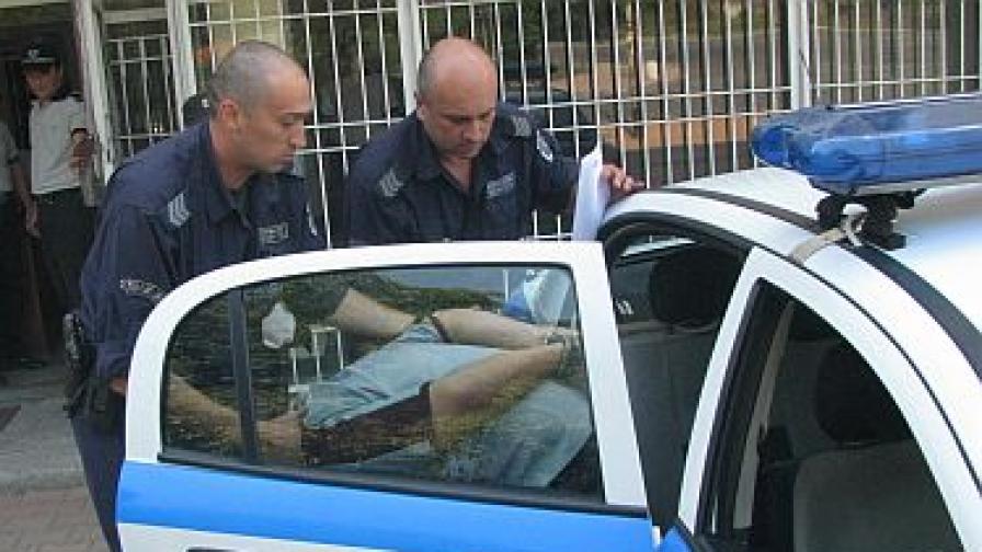Таксиджията Джем Мустафа остава в ареста