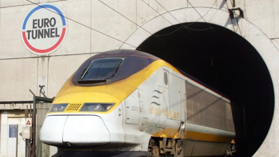 Според рекламата в сайта на компанията разстоянието от Фолкстоун до Кале се изминава за 35 минути